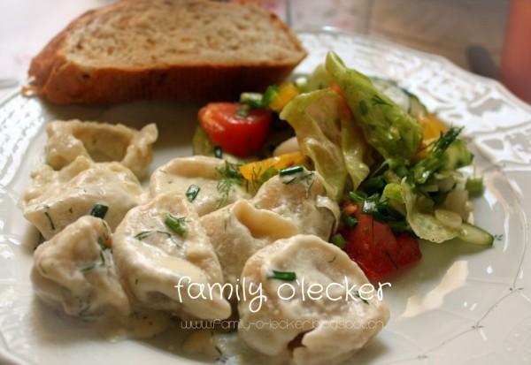 Anna's Russische Pelmenis mit Salat