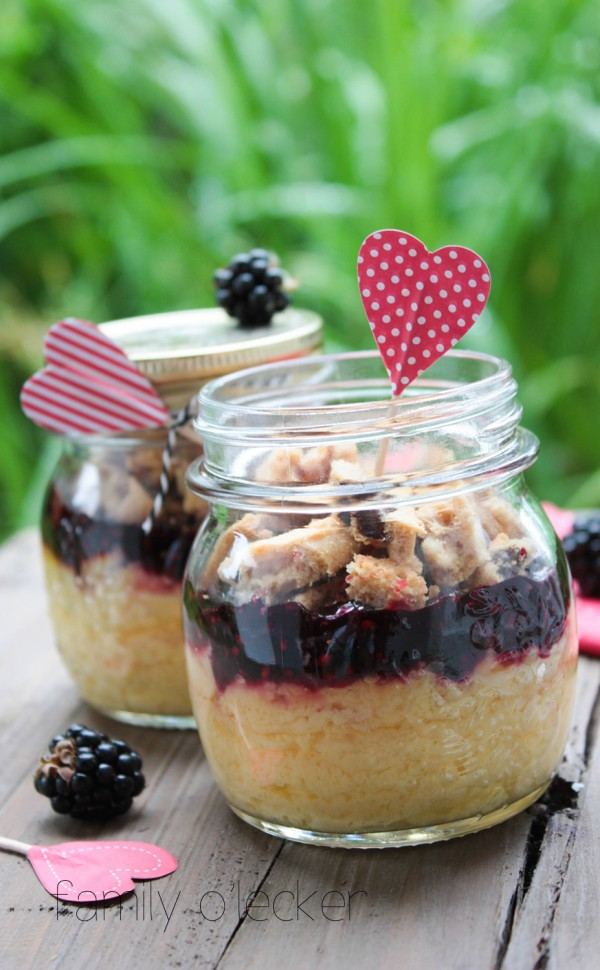 Brombeer-Cheesecake im Glas